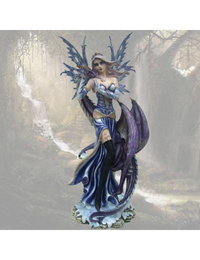 Fée bleue avec grand dragon