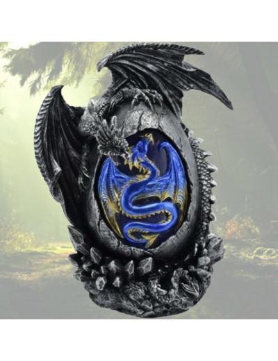 Dragon Noir avec Œuf Bleu