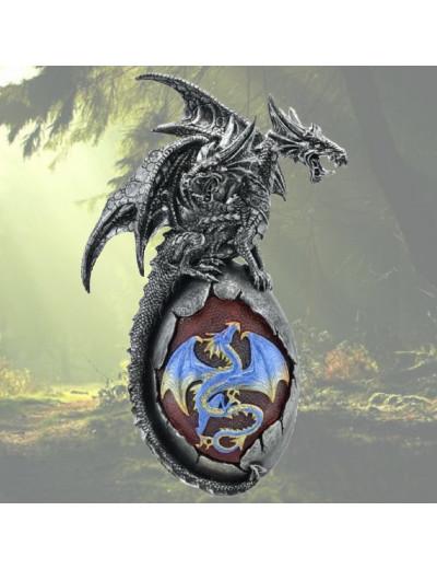 Dragon sur un Œuf